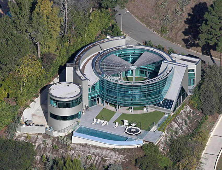 Justin Bieber's Rented 'Salad Spinner' Glass House (Beverly Hills)
