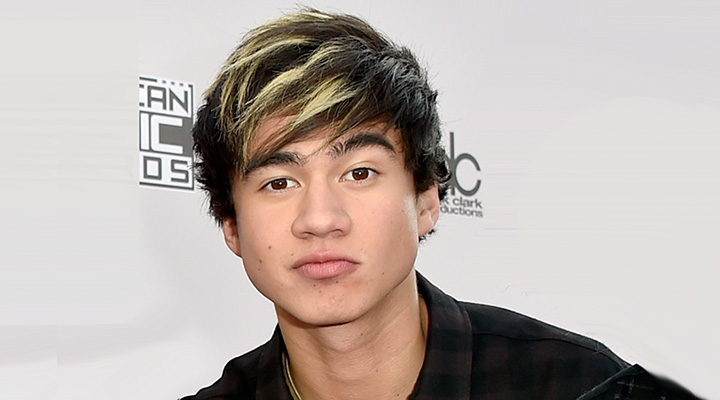 Calum Hood Net Worth