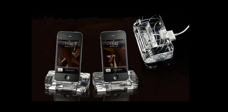 iPhone-4-Crystal-Docking-Station