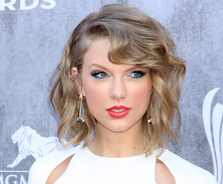 Taylor Swift - Net Worth; richestlifestyle.com