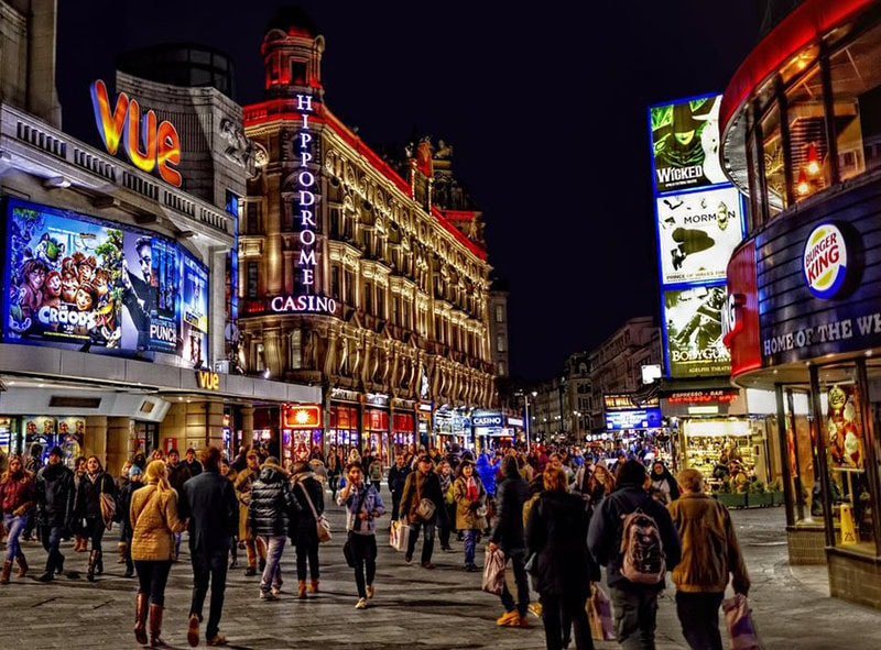 london-leicester-square-at-night